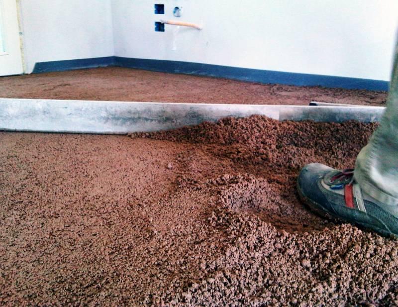 Stesura massetto in argilla Naturpav
